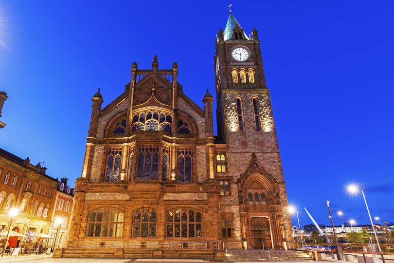 Londonderry Guildhall at night
