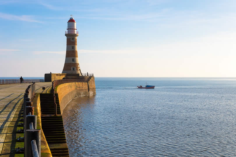 Best 10 seaside resorts in north east england for Chaise guest house roker sunderland