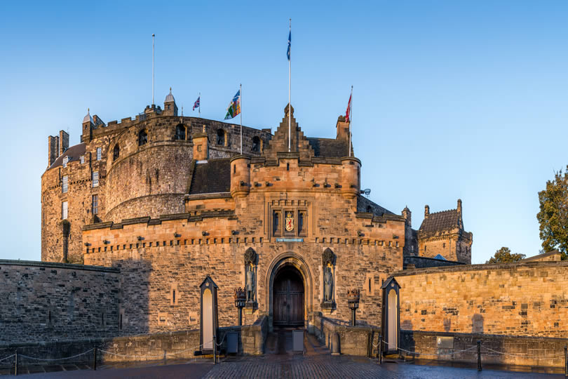 Entrance gate to Edinburgh Castle