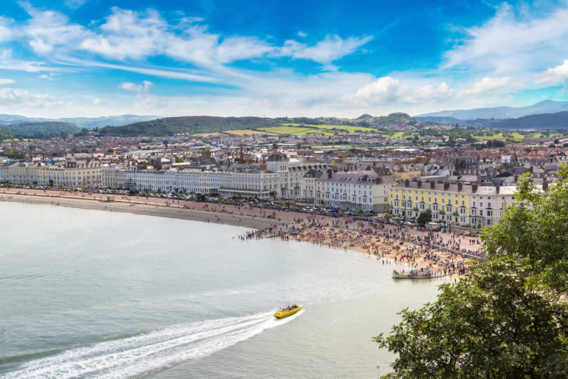 The town and beach of Llandudno