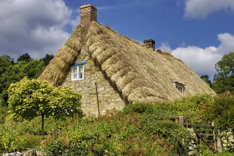 Traditional thatched cottage in Rievaulx village