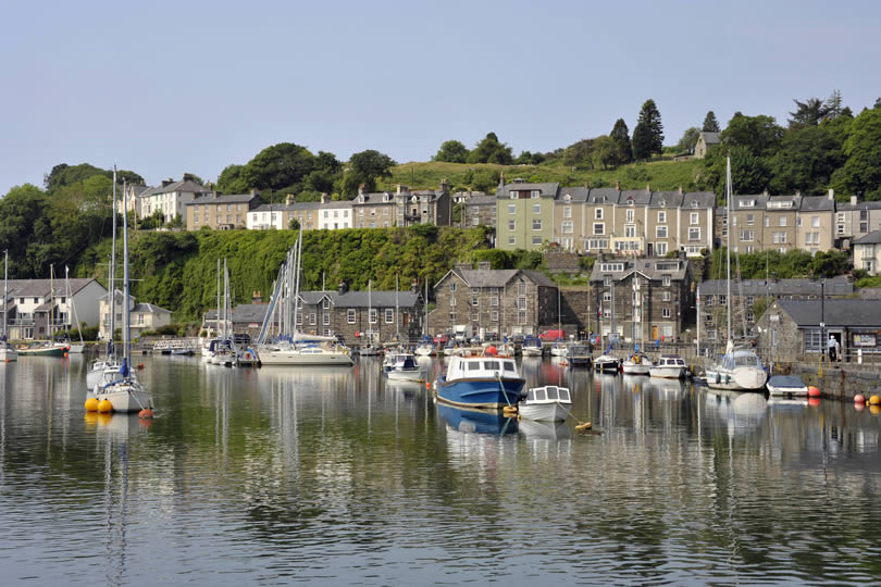 Porthmadog town and harbour