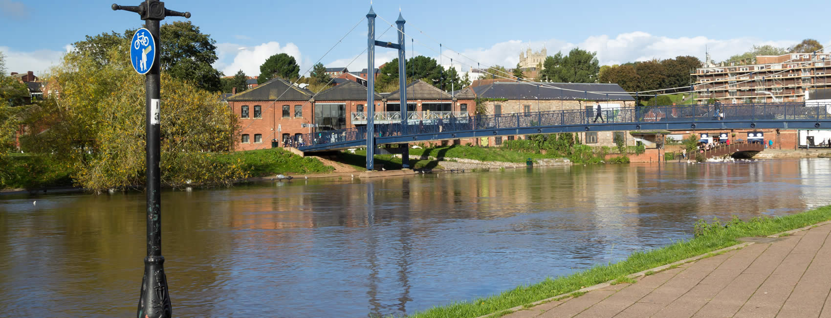 Bridge and city view of Exeter
